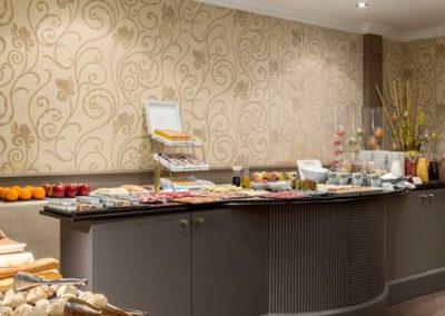 nh_carrefour_de_l_europe-032-buffet_breakfast